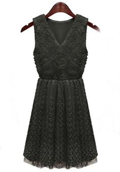 Black Stereo Embroidery V-neck Sleeveless Lace Dress