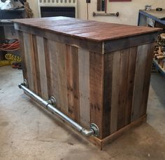 How beautiful this bar would be in your home. Dimensions are 60x36x26. These can be made to fit your needs. (pricing may vary) *This item is not able to be shipped. **All items are one of a kind creat