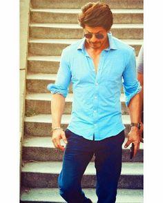 Happy birthday SRK meri jaan jab take hy jaan😘😘 Shah Rukh Khan Quotes, Shah Rukh Khan Movies, Shahrukh Khan And Kajol, Salman Khan, Indian Celebrities, Bollywood Celebrities, Actors Male, Actors & Actresses, Sr K
