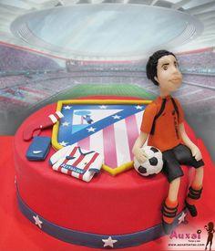 Una de las grandes pasiones en este País, es el Futbol. Esta vez, nos pidieron una tarta personalizada del Atlético de Madrid, para un niño que cumple sus 13 años. ¡A marcar goles Campeón!