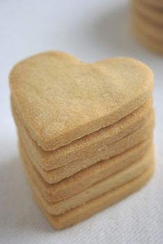 Shortbreads So British - HQ Recipes Sugar Free Cookies, Vanilla Cookies, Sugar Free Desserts, Shortbread Recipes, Cookie Recipes, Dessert Recipes, Biscuit Cookies, Cake Cookies, Diabetic Cake
