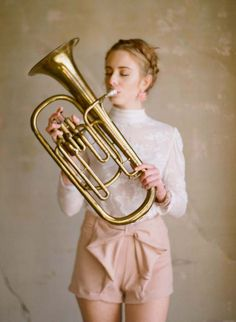 Ruche Photo Shoot by Elizabeth Messina + A Giveaway Senior Pictures Sports, Senior Photos, Wedding Ideas To Make, Brass Instrument, Elizabeth Messina, Dreamy Photography, Senior Picture Outfits, Music Images, Elements Of Style