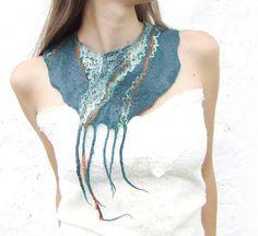 Teal statement  felt necklace felted wool bib collar por Baymut, $40.00