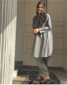 Pakistani Fashion Party Wear, Pakistani Fashion Casual, Indian Fashion Dresses, Indian Designer Outfits, Pakistani Outfits, Muslim Fashion, Indian Outfits, Bollywood Fashion, Fancy Dress Design