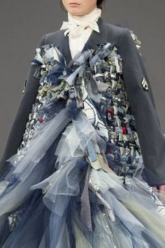 Viktor & Rolf at Couture Fall 2016 - Details Runway Photos Fashion Images, Fashion Details, Fashion Art, Runway Fashion, High Fashion, Fashion Show, Fashion Outfits, Womens Fashion, Fashion Design