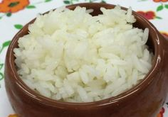 Não têm muito tempo para dedicar à cozinha? No Super Chef Celebridades aprendemos a fazer um delicioso arroz no microondas. Veja como aqui: http://glo.bo/1poOp6D #GloboPortugal #MaisVocePT #Receitas