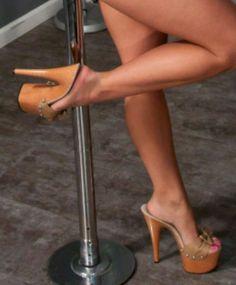 high heels – High Heels Daily Heels, stilettos and women's Shoes Sexy Legs And Heels, Hot High Heels, Platform High Heels, High Heels Stilettos, High Heel Boots, Heeled Boots, Stiletto Heels, Talons Sexy, Stripper Heels