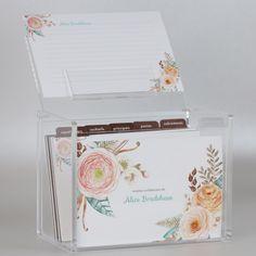 Guarde suas receitas favoritas com charme e estilo. A Recipe Box também é uma ótima dica de presente para mamãe. Compre online e receba em casa. www.paperview.com.br #recipebox #caixadereceitas #receitinhas #decoração #personalizado #paperview_papelaria