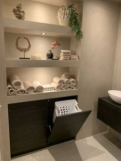 Home Interior Hallway .Home Interior Hallway Bad Inspiration, Bathroom Inspiration, Home Decor Items, Cheap Home Decor, Bathroom Design Luxury, Spa Interior Design, Washroom Design, Natural Home Decor, Small Bathroom