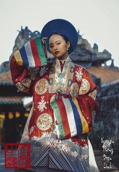 Áo Công chúa Mỹ Lương được Nguyên Phong Đoạn Lĩnh phỏng dựng