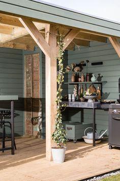 Terrace design ideas for stylish patio area Backyard Projects, Backyard Patio, Backyard Landscaping, Terrasse Design, Backyard Lighting, Outdoor Living, Outdoor Decor, Beautiful Living Rooms, Garden Inspiration