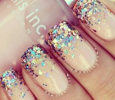 Glitter Nails of the Day @Luuux