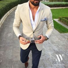Wedding guest suits - 25 Informal Groom Attire Ideas To Rock – Wedding guest suits Wedding Guest Suits, Summer Wedding Attire, Dress Wedding, Wedding Shoes, Casual Wedding Attire For Men, Summer Wedding Menswear, Male Wedding Outfits, Mens Summer Wedding Fashion, Man Wedding Guest Outfit