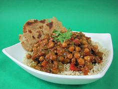 chickpea curry with chapati bread