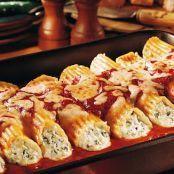 Old-World Manicotti Rezept Casserole Recipes, Pasta Recipes, Cooking Recipes, Manacotti Recipe, John Wayne Casserole, Easy Dinner Recipes, Easy Meals, Ground Beef Casserole, Italy