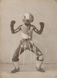 "Lavinia Schulz and Walter Holdt, dance costume for ""Toboggan"" (1924). Photo by Minya Diez-Dührkoop, black and white positive on silver gelatin paper. Collection Museum für Kunst und Gewerbe Hamburg (MKG) (photo and costume)."