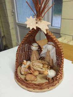 Wood and wicker. Christmas Baskets, Christmas Crafts, Christmas Decorations, Christmas Ornaments, Christmas 2014, Xmas, Newspaper Basket, Newspaper Crafts, Willow Weaving