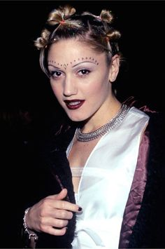 Gwen Stefani donned the multiple bun trend in the '90s