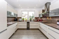 Small U Shaped Kitchens, Kitchen Dining, Kitchen Cabinets, Kitchen Interior, Sweet Home, New Homes, Home And Garden, Living Room, House