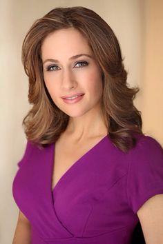 ❤️ Allison Kosik ❤️ Gorgeous Women, Most Beautiful, Female News Anchors, Cnn Anchors, Pretty Face, Business Women, Beautiful Outfits, Nice Dresses, Sexy Women