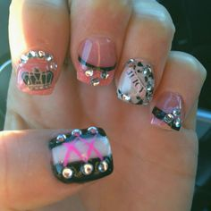 """Can someone say """"Marie Antoinette"""" ??? Over-the-top princess nails. :D"""