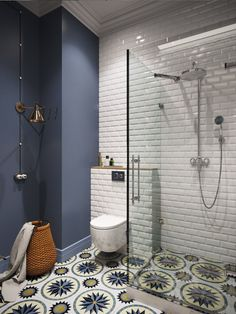 Navy accent wall, white subway tile