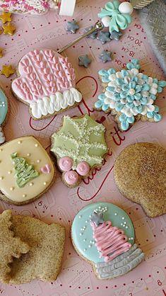 Holiday Snowflake Cookies!