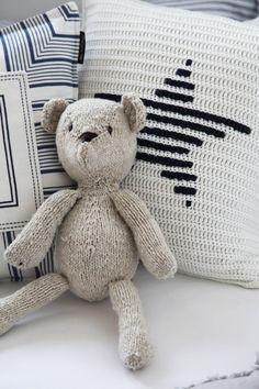 crochet cushion by Gant Kissen