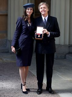 Sir Paul McCartney was made a Companion of Honour for services to music in a ceremony at Buckingham Palace on Friday. Paul Mccartney, Stella Mccartney, Companion Of Honour, Beatles One, Sir Anthony Hopkins, Sir Paul, Isabel Ii, The Fab Four, Ringo Starr