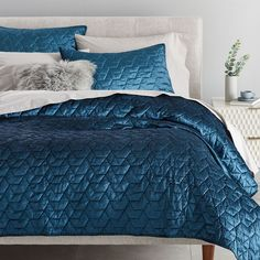 west elm offers modern bedding sets that feature comfort and style. Shop bedroom accessories, including pillows, throws, and duvet covers. Bedding Shop, Linen Bedding, Bed Linens, Comforter Sets, Bedding Decor, King Comforter, Velvet Duvet, Bed Duvet Covers, Yurts