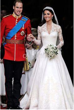 Abito da Sposa Romantico Cuore Con Velo Vintage con Applique  http://www.okmi.it/abito-da-sposa-romantico-cuore-con-velo-vintage-con-applique-p2234.html