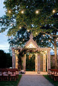 Decoração para a cerimônia. Altar ao ar livre!
