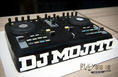 dj cake on Pinterest   Turntable, Music Cakes and Headphones