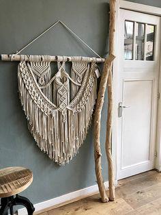 Macrame Wall Hanging / Modern Macrame / Wall Art / Boho Wall Hanging / Wall Tapestry / Macrame Tapestry / Large Macrame Wall Hanging