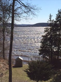 I have #faith that the science of climate change will be believed and acted on so this crazy weather will change. This is s lake not an ocean. The river flows left to right not right to left. #alivenowmag #photoaday