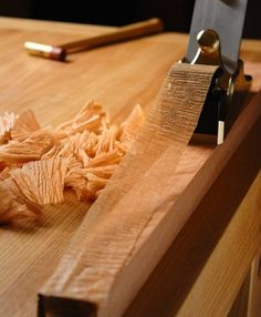 How a hand plane is supposed to cut.