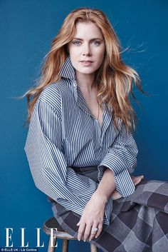 Amy Adams discusses striking a balance between home and family life Weight off her shoulders: Amy Adams, has revealed she used to carry to much weight of expectation when it came to her work and family life, in an interview with ELLE Magazine Drop Dead Gorgeous, Amy Adams Enchanted, Amy Adams Style, Actress Amy Adams, Elle Magazine, Kate Winslet, Celebrity Photos, American Actress, Redheads