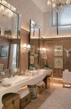 Love the mirrors in this bath!