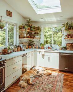 Modern Bohemian Kitchen Designs - Bohemian Home Living Room Kitchen Inspirations, Cozy Kitchen, Earthy Kitchen, Cozy House, Kitchen Remodel, Kitchen Decor, House Interior, Home Kitchens, Bohemian Kitchen