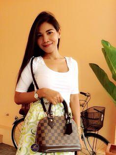 Louis Vuitton Handbags, Louis Vuitton Speedy Bag, Birthday Bag, Iris, Bb, Street Style, How To Wear, Clothes, Shopping
