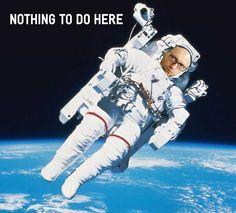 """Скорее всего, теперь вместе с кабмином Гройсмана вся власть будет у Питера Алексеевича. Насколько он оправдает ожидания неизвестно, ведь как говорили другому Питеру – Паркеру: """"С большой силой приходит и большая ответственность"""".   А тем временем с Днем космонавтики!  #правоедело #денькосмонавтики #яценюк"""
