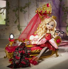 EVER AFTER HIGH™ Fainting Couch Dorm Accessory
