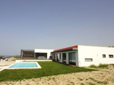 Contemporary 3 bedroom villa with pool and seaviews in Foz do Arelho,  Caldas da Raínha, Silver Coast,  Portugal - Modern design villa with full views of the sea. Located within walking distance of the beach and within a one hour car drive from Lisbon airport. - http://www.portugalbestproperties.com/component/option,com_iproperty/Itemid,16/id,1285/view,property/