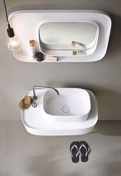 """À partir de 710 euros le miroir. """"Fonte"""" de Monica Grafeo pour Rexa Design."""