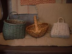 Gettysburg Homestead: Goodwill Basket Makeover Tutorial - how to stain and paint baskets - how to give them that 'aged' look