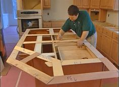 making a template Carpentry Projects, Diy Wood Projects, Wood Shelves, Shelving, Custom Woodworking, Woodworking Ideas, Custom Floating Shelves, Thin Plywood, Shelf Inspiration