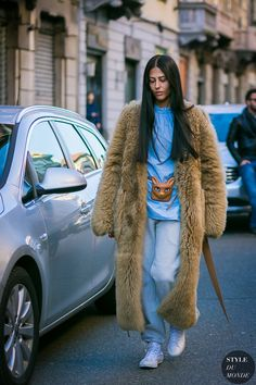 Milan Men's Fashion Week Fall 2017 Street Style. Street Style Photo Galery from Milan Men's Fashion Week Fall Milan Street Fashion New Street Style, Street Style Trends, Cool Street Fashion, Street Style Looks, Street Chic, Mens Fashion Week, Look Fashion, Autumn Fashion, Fashion Trends