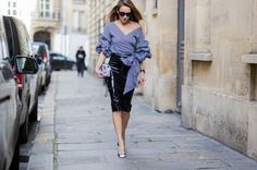 From a cut out dress layered over a long sleeve to Technicolor paisley on a menswear-inspired suit, here are the best street style moments from Paris Fashion Week London Fashion Weeks, Paris Fashion, Curvy Outfits, Casual Outfits, Latex Rock, Latex Skirt, Cooler Look, Winter Outfits For Work, Cool Street Fashion
