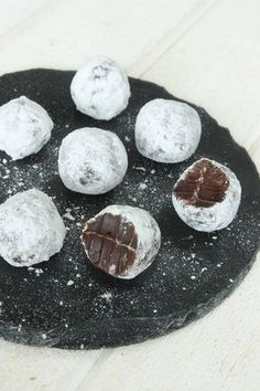 "Sökresultat för ""after eight tryfflar"" Homemade Sweets, Homemade Candies, After Eight Recipes, Christmas Treats, Christmas Baking, Candy Recipes, Dessert Recipes, No Bake Desserts, No Bake Cake"