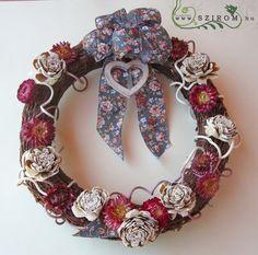 őszi kopogtató faháncs virággal (27cm) Burlap Wreath, Wreaths, Home Decor, Decoration Home, Door Wreaths, Deco Mesh Wreaths, Interior Design, Garlands, Home Interior Design